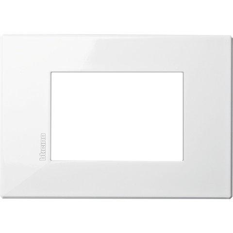Рамка 1 пост AIR, прямоугольная форма. МОНОХРОМ. Цвет AXOLUTE Белый. Итальянский стандарт, 3 модуля. Bticino AXOLUTE. HW4803HD