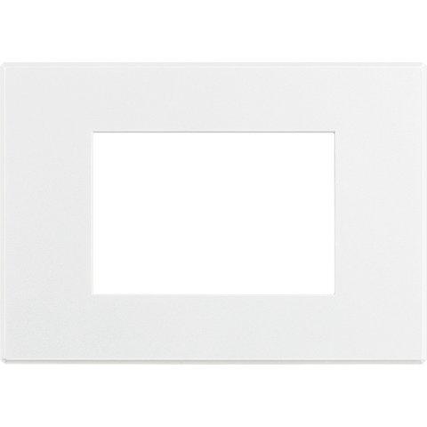 Рамка 1 пост AIR, прямоугольная форма. СОФТ. Цвет Матовый белый. Итальянский стандарт, 3 модуля. Bticino AXOLUTE. HW4803AW