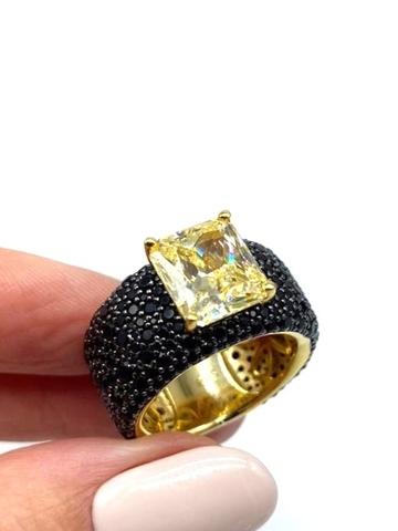 40016- Роскошное кольцо из серебра с черными микроцирконами и желтым кварцем