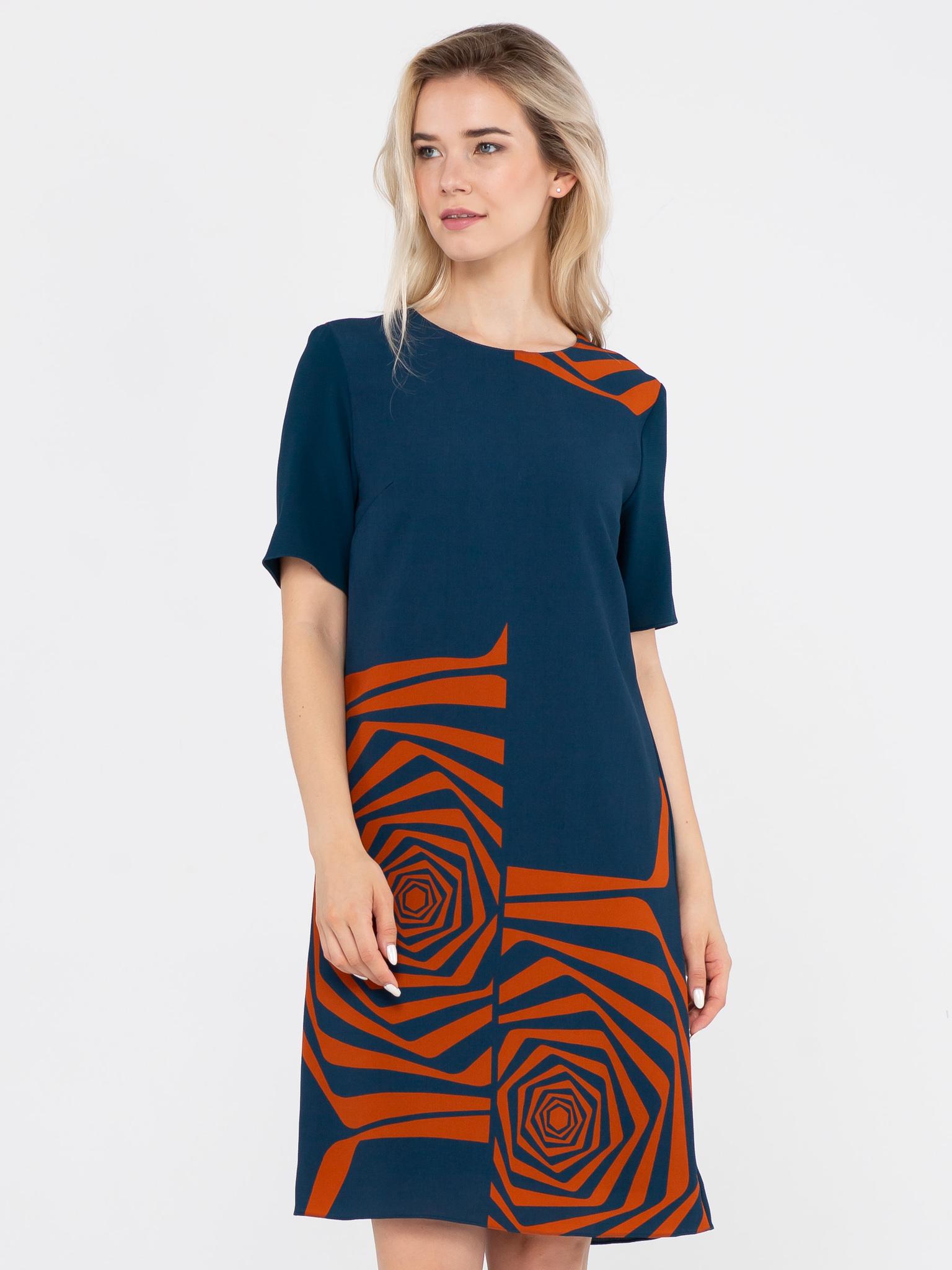 Платье З120а-537 - Оригинальное платье прямого силуэта с графичным принтом. Ткань производства Италии