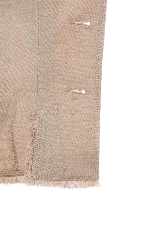 Летний жакет бежевого цвета от Chanel, 38 размер.