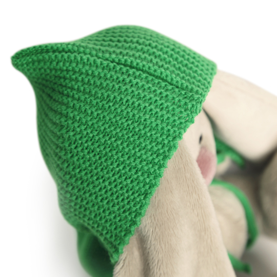 Зайка Ми в зеленом пончо