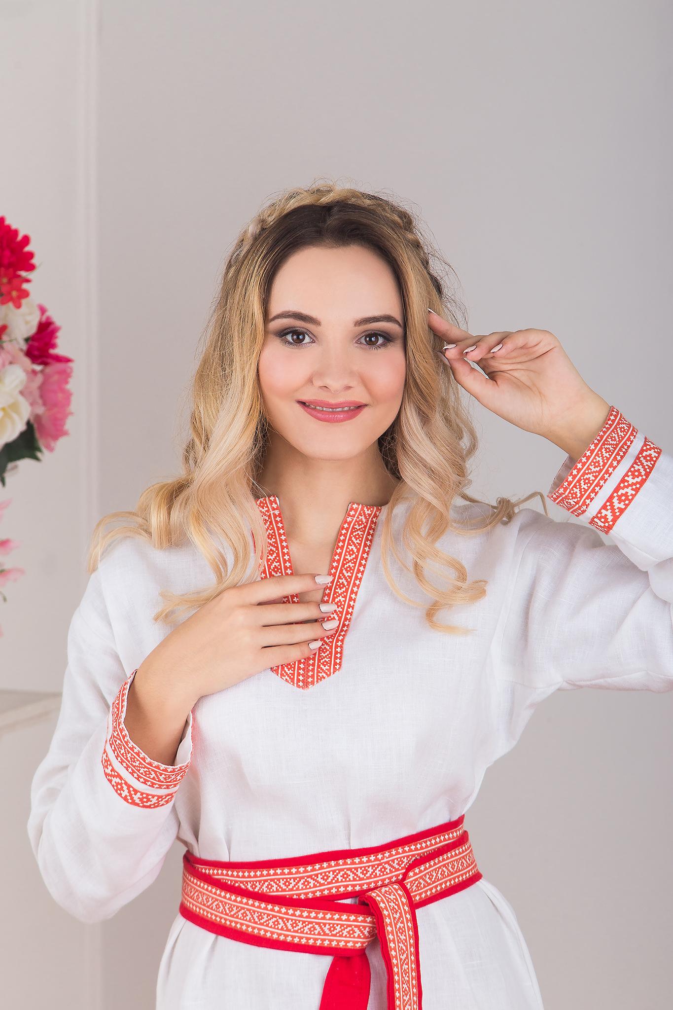 Увеличенный фрагмент славянской рубахи Верная. Славянская одежда в интернет магазине