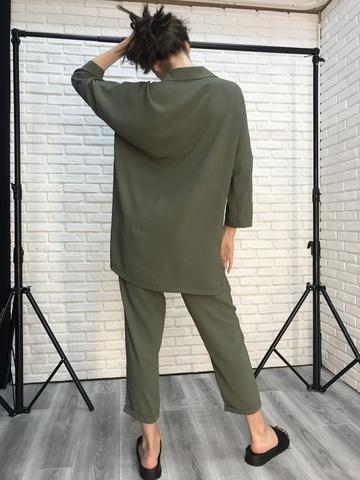 Костюм хаки с рубашкой и брюками недорого