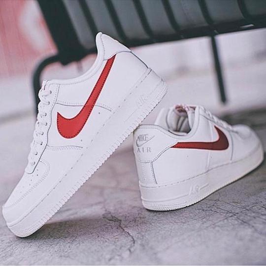 Nike Air Force 1 07 White Red Swoosh