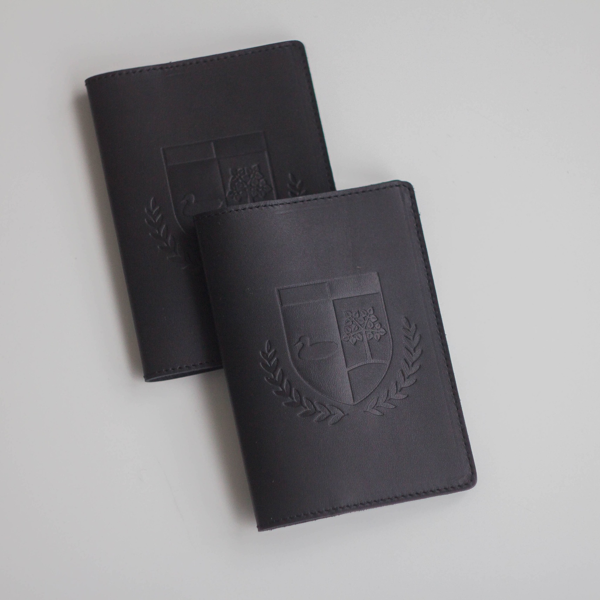 Обложка для паспорта «Утка и липа»