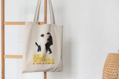 Сумка-шоппер с принтом Криминальное чтиво, Мия Уоллес, Винсент Вега (Pulp Fiction) бежевая 003