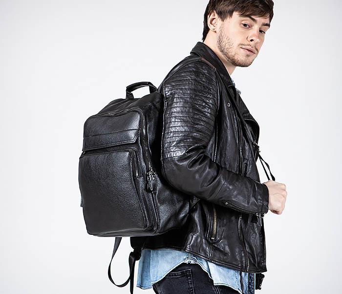 BAG530-1 Большой кожаный рюкзак черного цвета фото 03