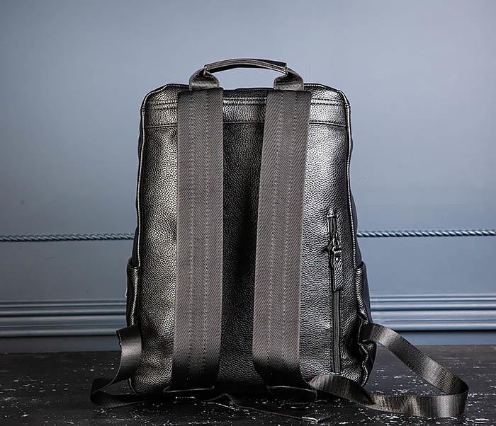 BAG530-1 Большой кожаный рюкзак черного цвета фото 08