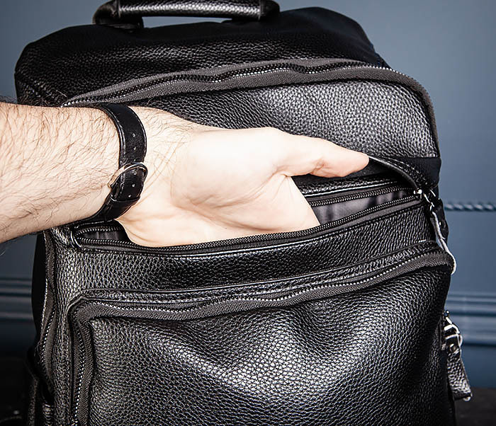 BAG530-1 Большой кожаный рюкзак черного цвета фото 12