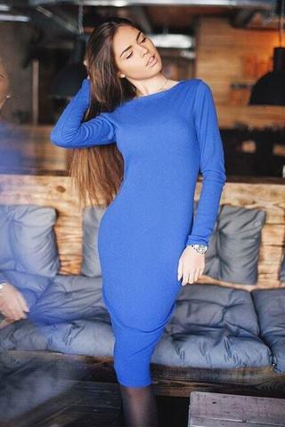 Классическое трикотажное миди платье, синее