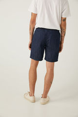 Джинсові шорти в пляжному стилі