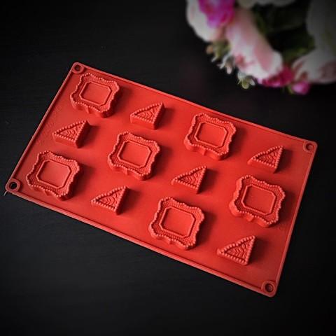 Силиконовая форма для шоколада Фото-рамка и уголки 12в1 (40х45мм)