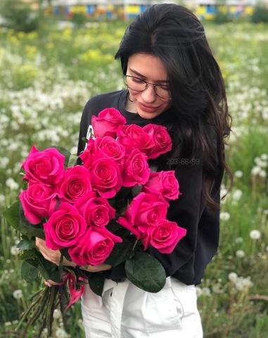 Букет из 15 эквадорских роз 80 см ( цвет на выбор: розовый, белый ) #1240