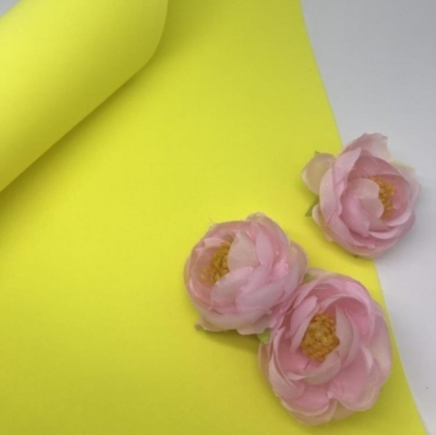Шелковый фоамиран 25*25 см. Желтый 16