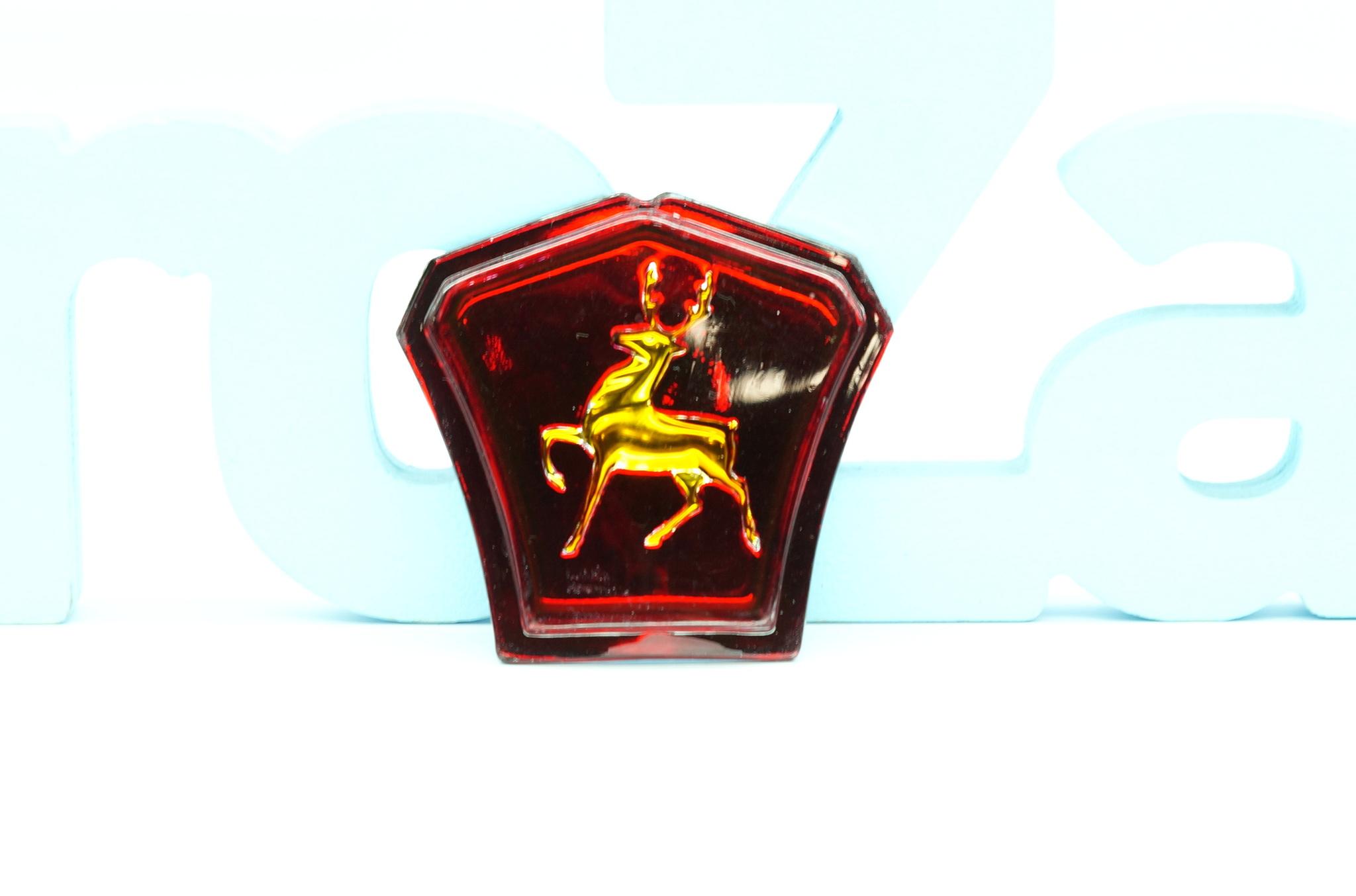 Эмблема капота Газ 21 2 серии