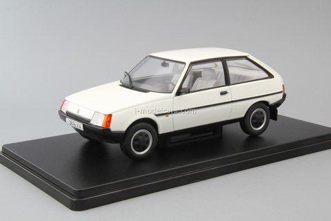 ZAZ-1102 Tavria white 1:24 Legendary Soviet cars Hachette #35