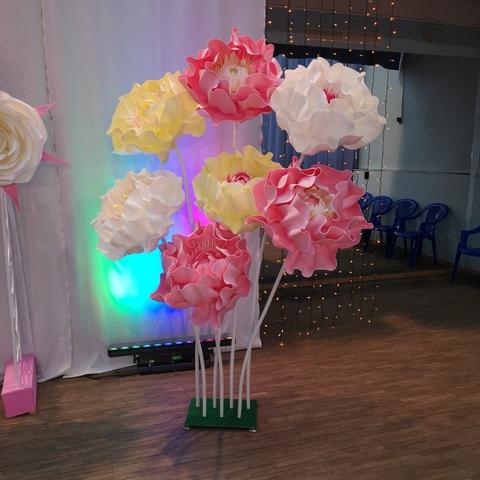 Цветочная декорация *Платье из роз* для фотосессий. Аренда. 145*140 Оплата за один день эксплуатации изделия