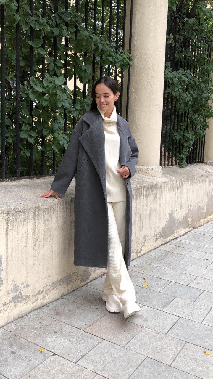 Пальто с большим лацканом, серая диагональ
