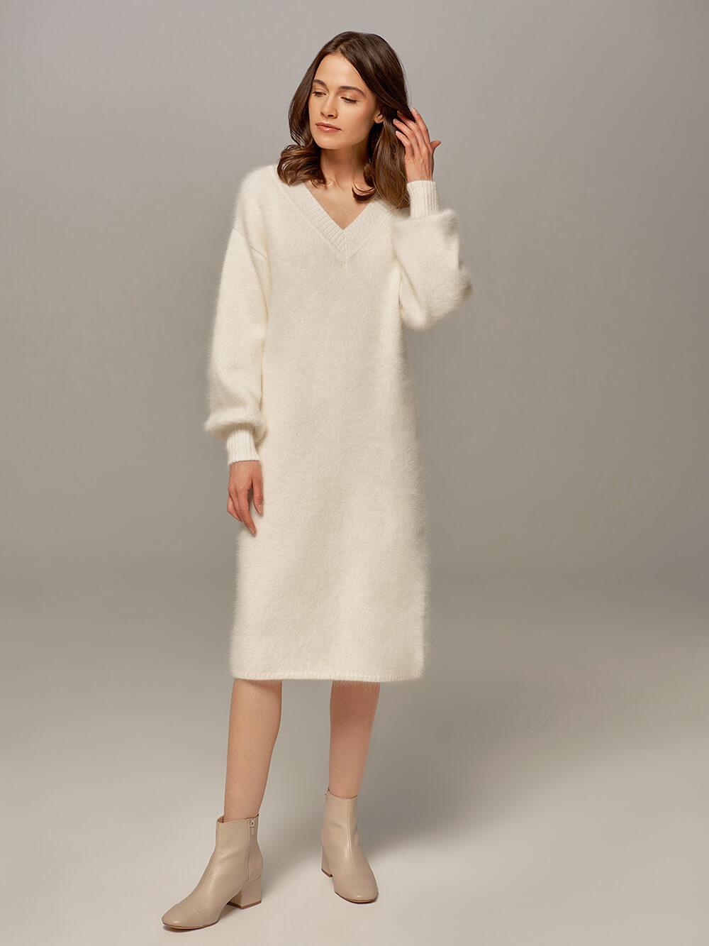Женское платье белого цвета из ангоры - фото 1