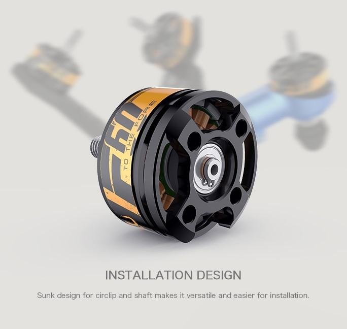 Утопленное в корпусе стопорное кольцо позволяет устанавливать мотор на любую плоскую поверхность