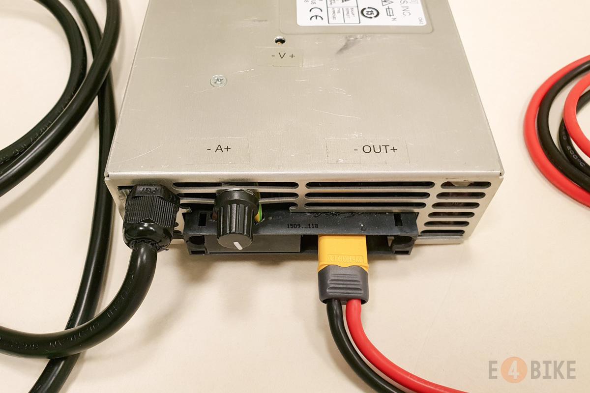Зарядное устройство 2400 Вт (0-120 В 0-22 А)
