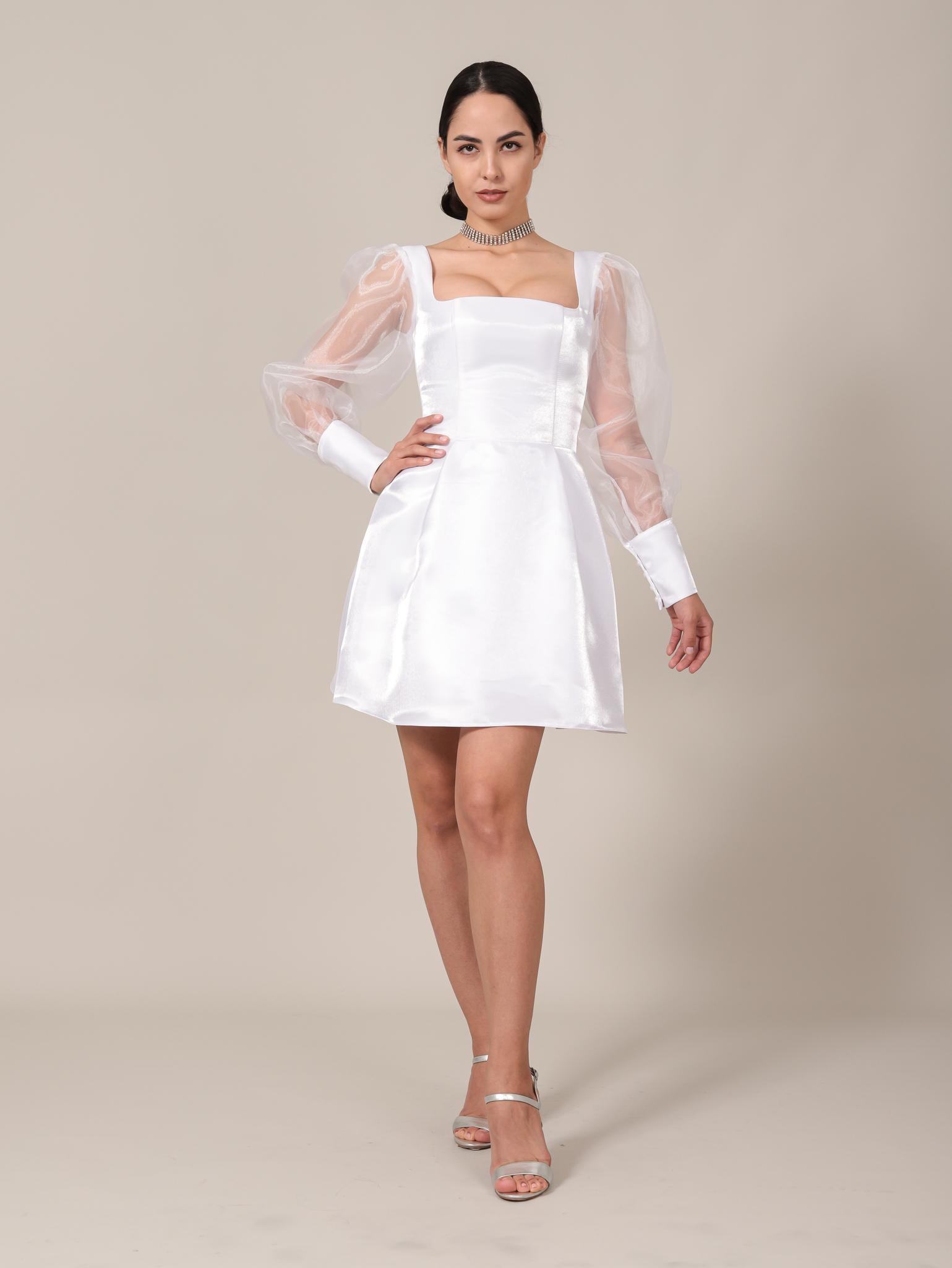 Свадебное / Нарядное платье из блестящей ткани с квадратным вырезом и длинными рукавами из фатина мини (белый)