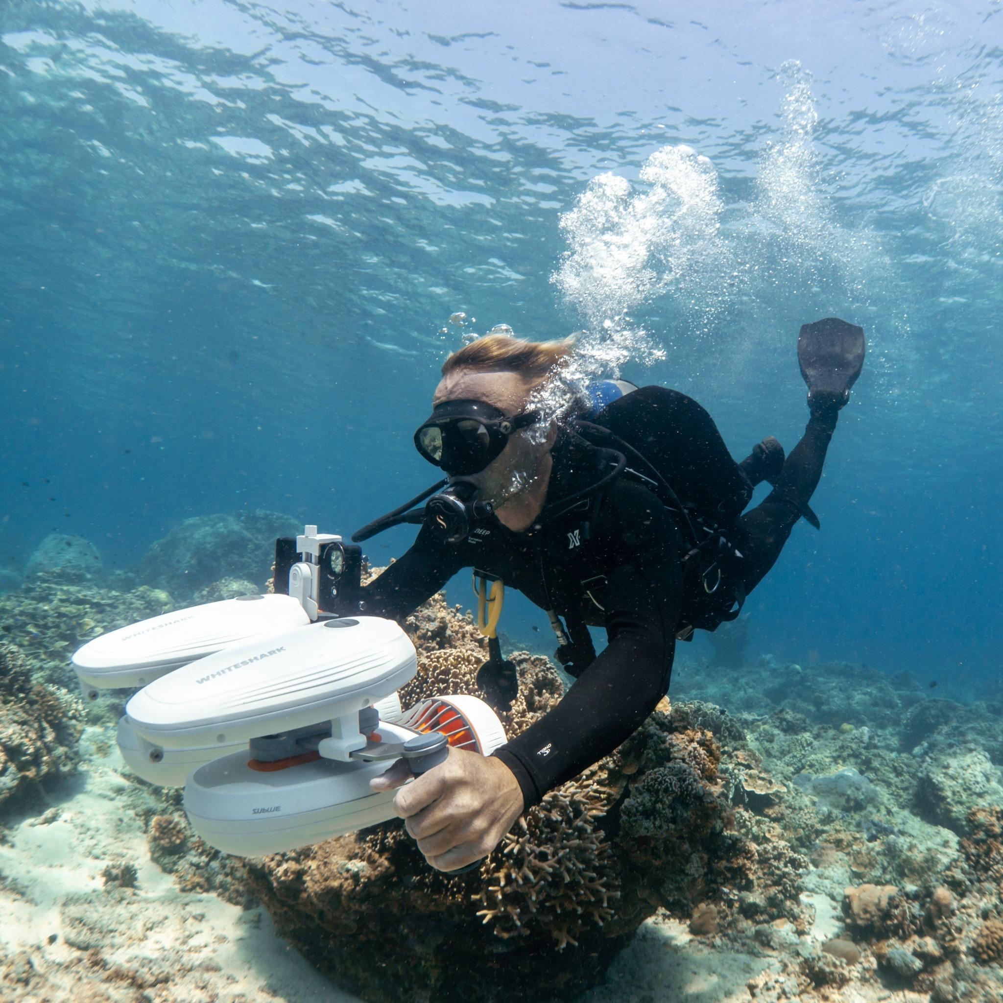 WhiteShark Tini underwater scooter