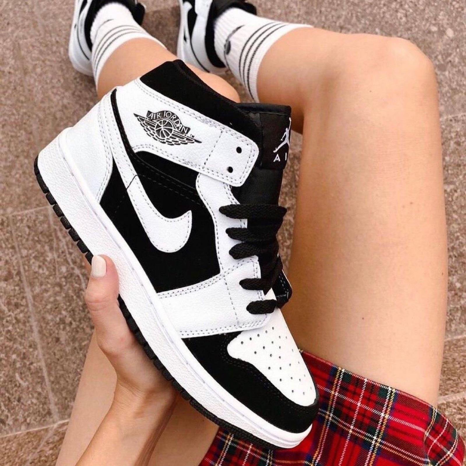 Nike Air Jordan 1 Panda