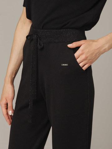 Черные брюки из шёлка и кашемира спортивного силуэта - фото 5