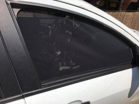 Каркасные шторки Lada Vesta перед.