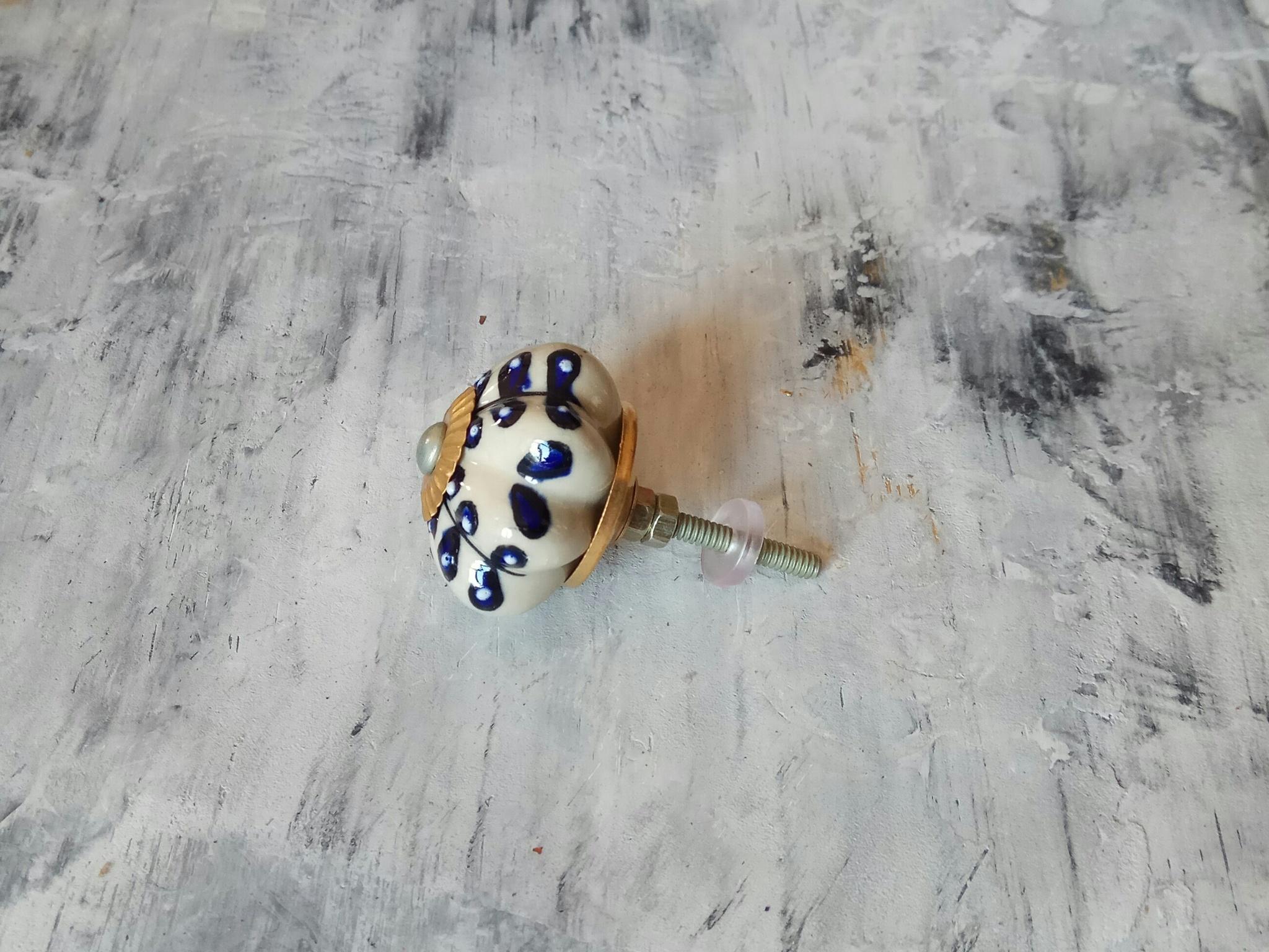 Ручка мебельная керамическая кремовая с синим орнаментом, арт. 000326