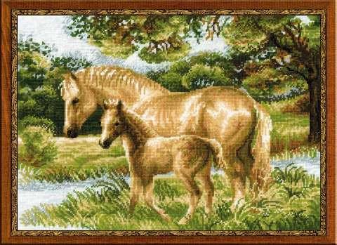 Набор для вышивания крестом «Лошадь с жеребёнком» (1258)
