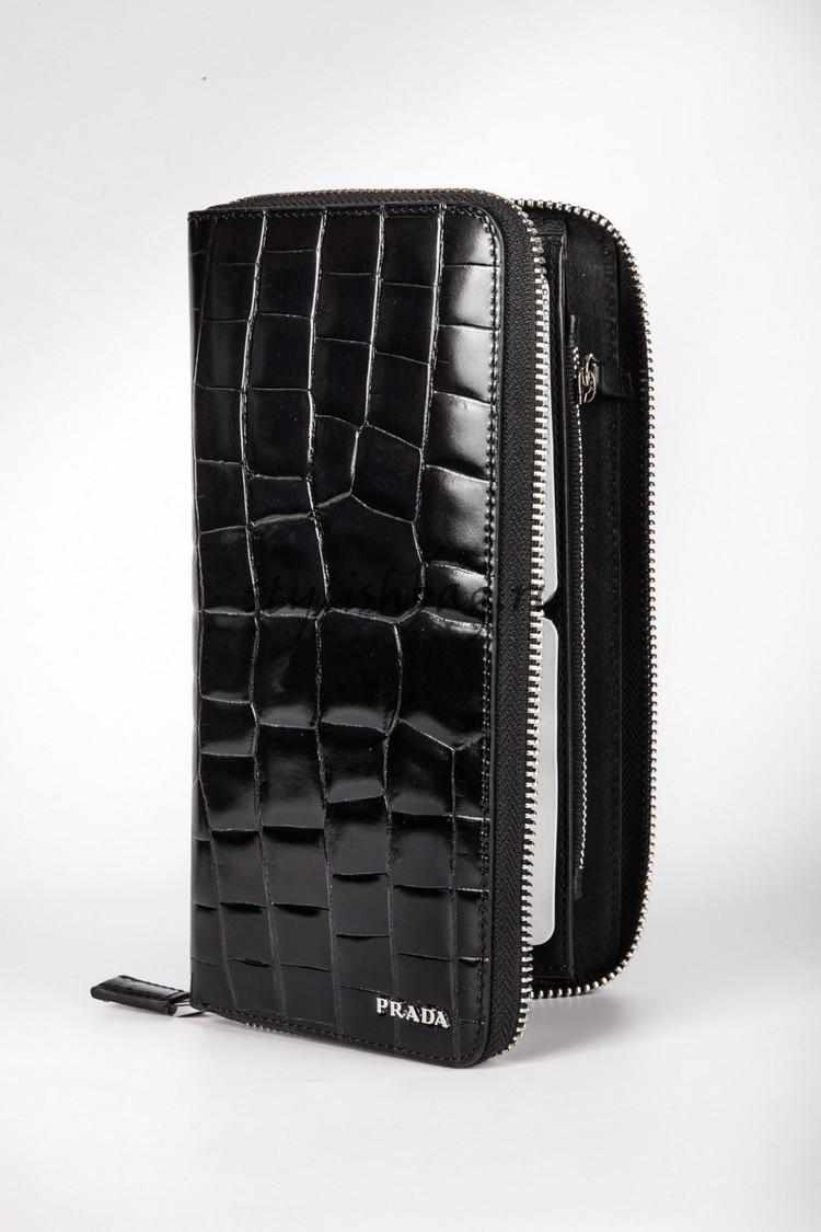Мужской кошелек Prada Black Zip Around Patent Leather