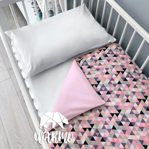 Підодіяльник дитячий 110 на 140 см з рожевим геометричним малюнком фото