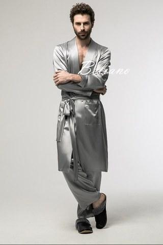 Мужской шелковый костюм для дома (халат и брюки) серого цвета.