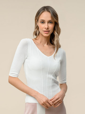 Женский джемпер молочного цвета с рельефными полосами - фото 1