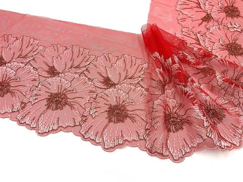 Вышивка на сетке красная (левая) 17 см