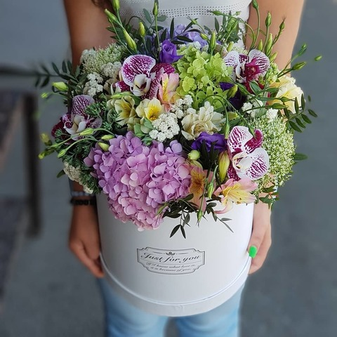 Коробка микс цветы 9