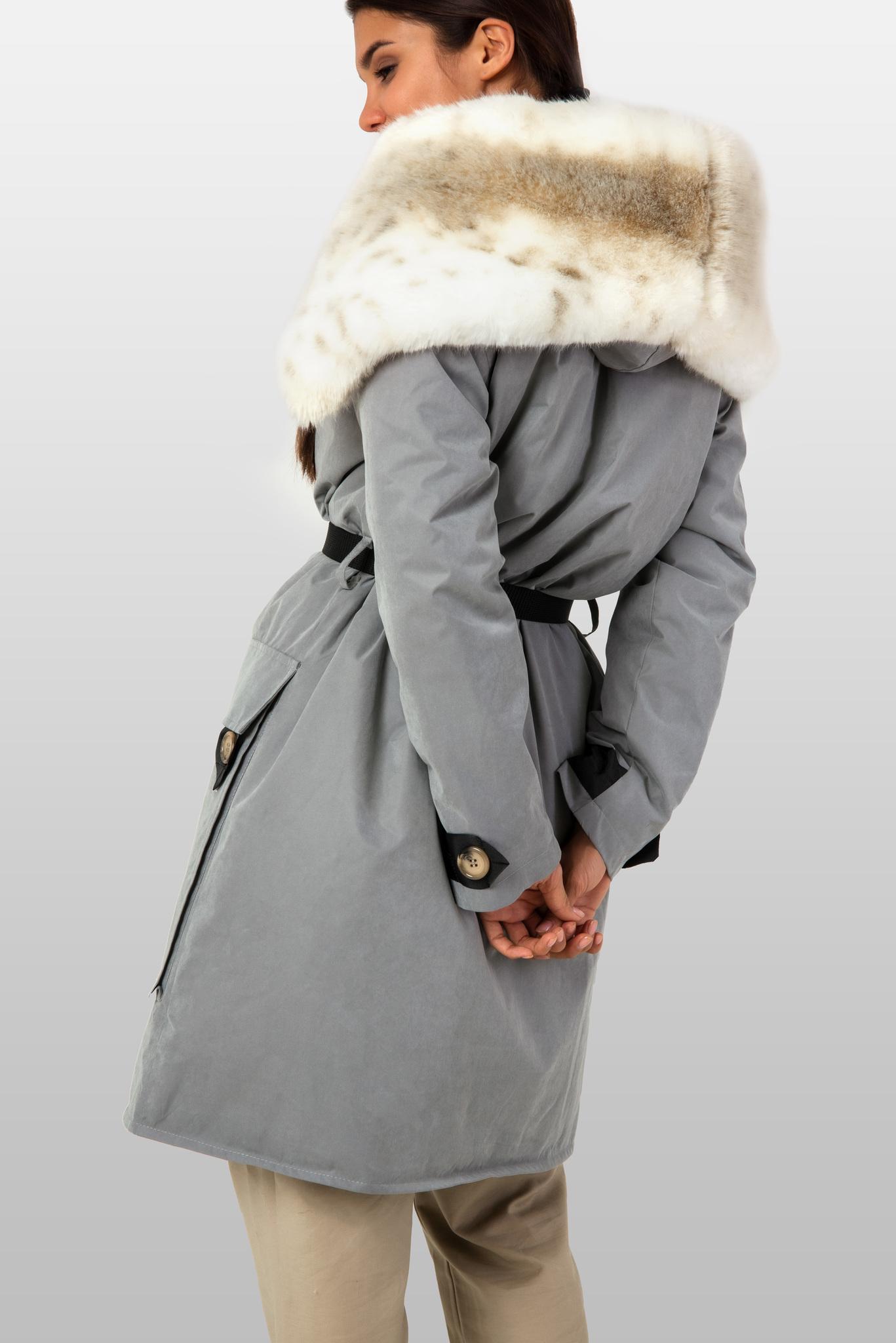 Куртка парка с бежевым капюшоном из эко-меха