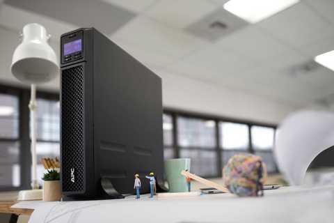 Источник бесперебойного питания APC Источник бесперебойного питания APC Smart-UPS SRT, Двойное преобразование (онлайн), 1500 ВА / 1500 Вт, Tower, IEC, LCD, Serial+USB, USB, SmartSlot, подкл. доп. батарей