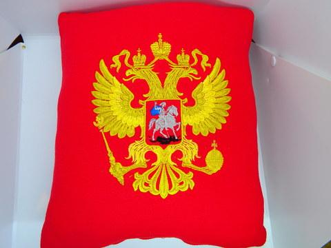 Подушка сувенирная вышитая