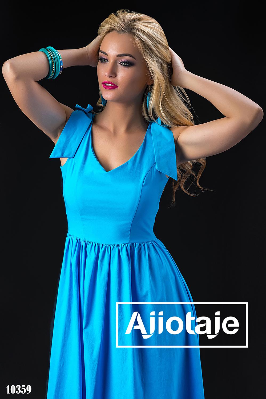 Голубое платье в пол с бантиками на плечах