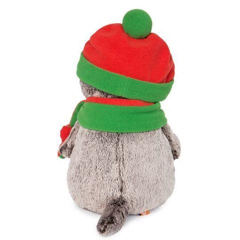 Кот Басик в оранжево-зеленой шапке и шарфике