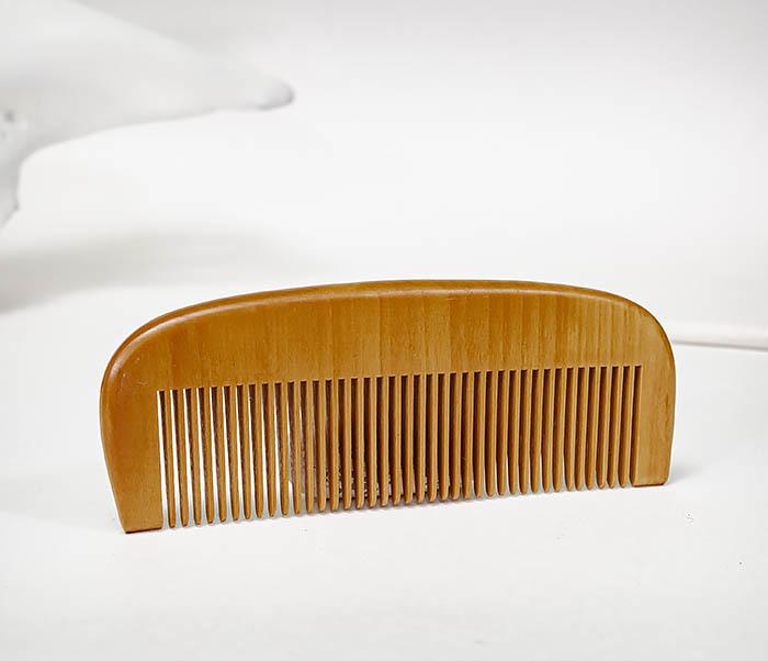 CARE153 Крупная расческа из дерева для бороды