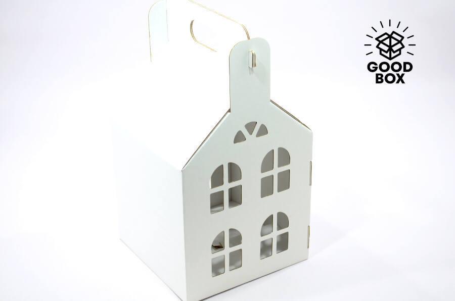 Новогодний домик 200*200*200 белого цвета