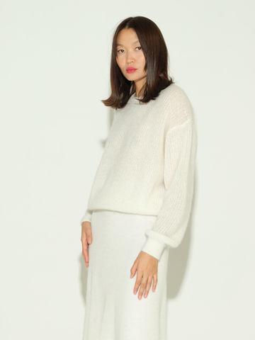 Женский джемпер белого цвета из мохера и шерсти - фото 2
