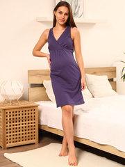 Мамаландия. Сорочка для беременных и кормящих с V-образным вырезом, горох/темно-серый (фиолетовый)