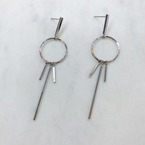 Серьги с подвесками на кольце (серебристый) ш925