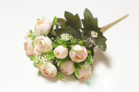 Букет камелии Ховорт бело-розовый